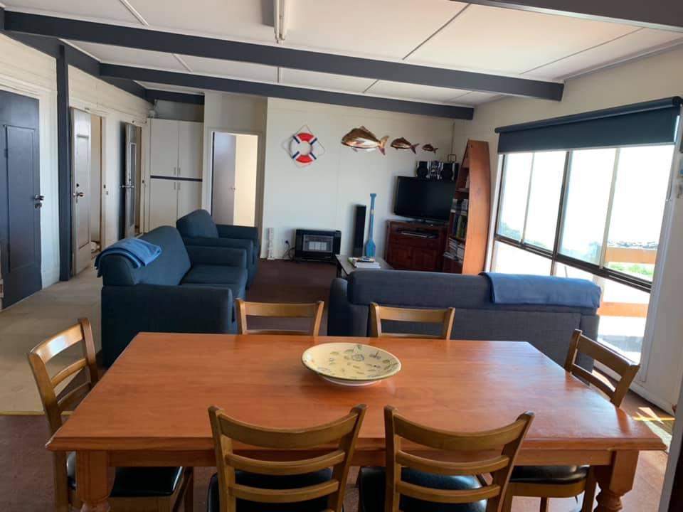 beach-house-bolingbroke-image-loungeroom